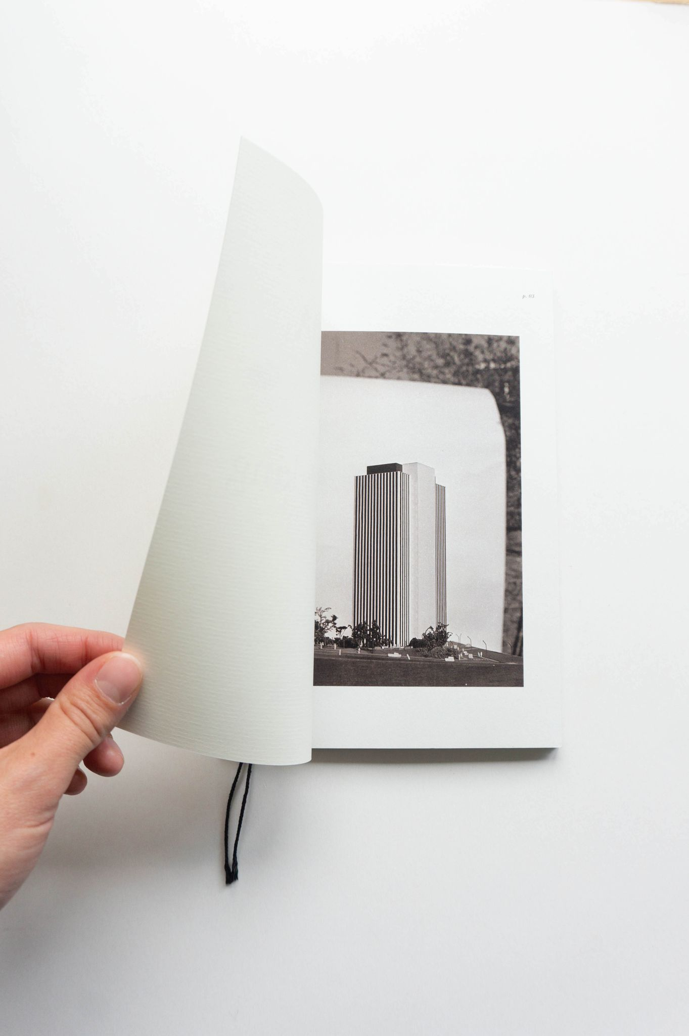 mount-zirkel-victoria-brussels-DWNTWN-booklet-website-JapaneseBookbinding